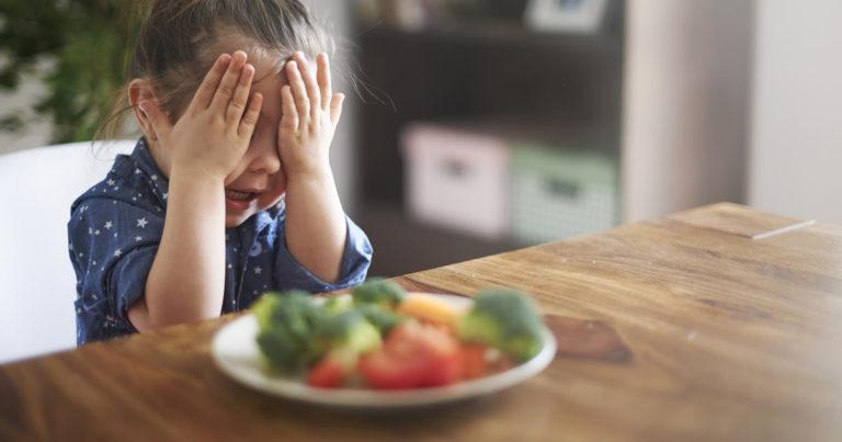 5 astuces pour faire manger des fruits et légumes à vos enfants