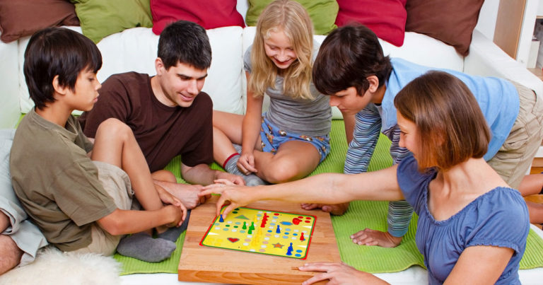 Gagner ou perdre «exprès» ; comment jouer avec ses enfants ?